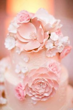 pretty details on this pink wedding cake