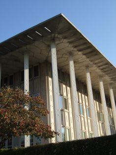 ... part of Eero Saarinen's 1950s master plan for the University of Chicag