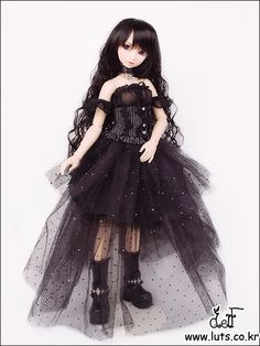 Luts Soony doll dressed as #Gothic Lily