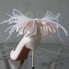 Shoe Clips Ivory And White Bow And Feather. Chuletindesigns, Etsy fashion, heel, pink ribbons, shoe clips, ribbon bows, walk, feather, bridal shoes, stiletto