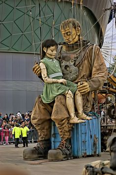 The Most amazing marionettes I have ever seen!!