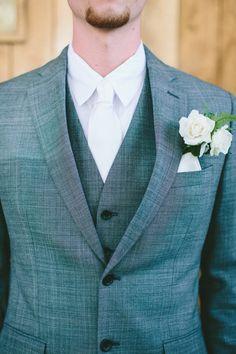 groomsmen looks http://www.weddingchicks.com/2013/09/03/rubywood-house/