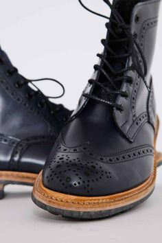 wing tip broque high cut black