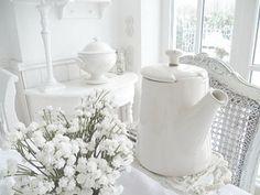 white tea, thing white, white decor, all things white, blanc