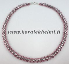 Simple but nice, Take really short time to make it. Love those metallic colours. Made of Superduo and Toho seed beads.