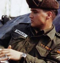 Elvis Presley ready for war