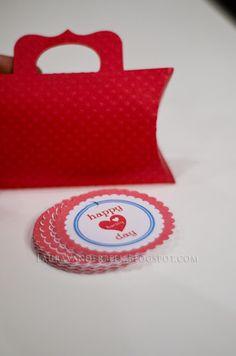 Laura Vanderbeek: Silhouette Cameo Valentine Pillow Boxes