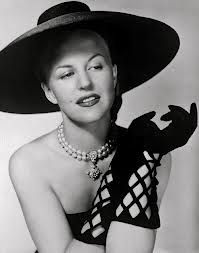 Fabulous lattice gloves!!! #vintage #gloves #hats #fashion #accessories
