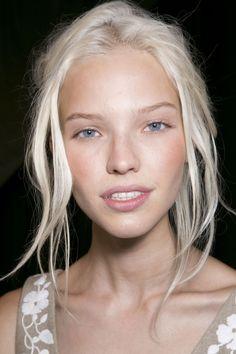Sasha Luss natural makeup and simple updo.