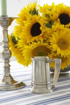 Sunflowers for a Sunny August or September Table -Carolyne Roehm