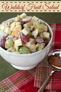 Waldorf Fruit Salad | cupcakesandkalechips.com | #fruitsalad #breakfast #greekyogurt #glutenfree