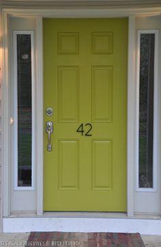 love this green front door