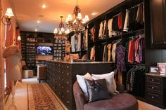Her Master Mocha traditional closet