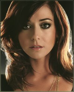 Alyson Hannigan - She's beautiful. I <3 her.
