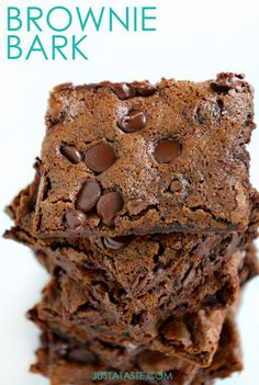 Chewy Chocolate Brownie Bark | justataste.com | #recipe #brownies #chocolate #dessert chocolate chip brownie bark, chocolate brownies, chocolate brownie desserts