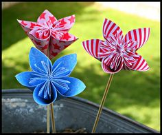 Handmade flowers tutorial by Kazan Clark using  Scor-pal and Moment products.