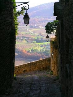 Steep passage in the village of Gordes, Provence, the Ancient Roman road passing through this historic citadel village.