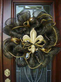 Black and Gold Fleur de Lis Deco Mesh Wreath by FreckleFaceCrafts,