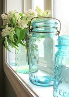 Frascos blue mason jars, ball jars, masons, canning jars, decorating ideas, robin egg blue, kitchen windows, funky junk, blues