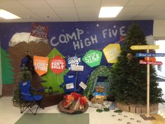 Every time a student at Endhaven Elementary earns a High Five Lunchbox, the PTA puts a brown lunch bag on display to show the 5 meals our team donates to Feeding America!
