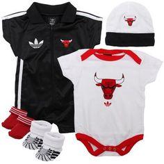 adidas Chicago Bulls 5-Piece Creeper, Bootie, Hat Box Set