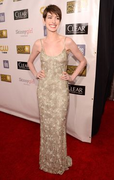 Anne Hathaway on the Critics' Choice Awards Red Carpet!