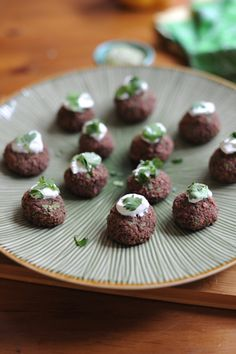 Black bean cakes with creme