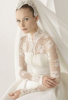 Silk gazar gown with lace jacket, in ivory.