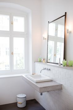 black + white // white subway tile // bathroom // bright
