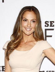 Minka Kelly wears a long hairstyle