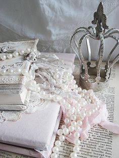 Pearls and lace on books        djc