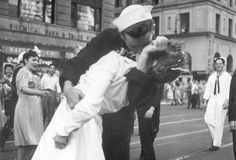 "Famous WWII ""Kiss"" Photograph."