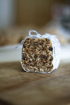 Oatmeal Raisin Cookie Energy Bars