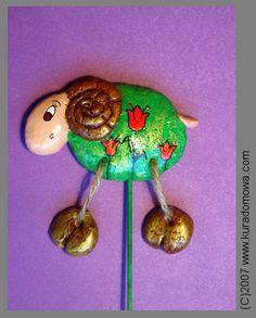 Easter ornaments made of salt dough / Wielkanocne ozdoby z masy solnej na patyczku