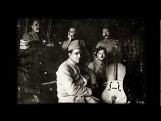 Le violoncelle des tranchées  - string players in the trenches of the First World War kept up their playing by creating makeshift instruments