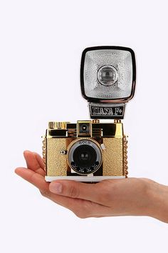 "Lomography ""Diani"" Kleine, goldfarbene Kamera"