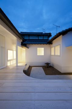 CASE-REAL: White Dormitory for Il Vento - Teshima Kagawa, Japan