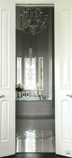 French Flair ● Bathroom