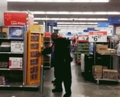 Every time I watch this, I can't help but laugh! funny-gif-supermarket-Titanic-playing