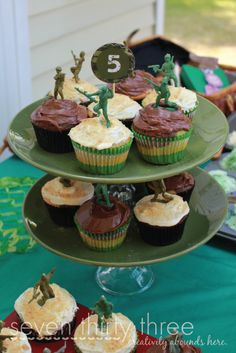 seven thirty three - - - a creative blog: It's an Army Birthday Party!  Recipe for camo cupcakes and free bottle wrappers and cupcake toppers!