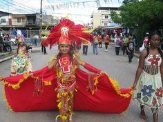 Desfile de trajes tipicos de Honduras