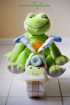 Motorcycle Diaper Cake Tutorial ( Baby boy / girl Shower gift idea )