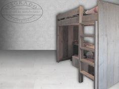 Mooie meubelen van steigerhout on pinterest vans showroom and met - Op maat hoogslaper ...