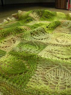 Dianna shawl made with handspun yarn by projektleiterin, via Flickr