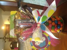 Birthday gift- candy bouquet with giftcard in mason jar