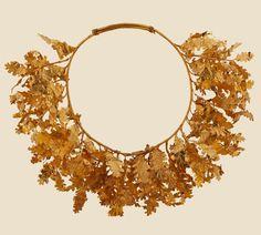 golden oakleaf necklace