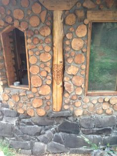 Don Noe's Cordwood Shed Is Stylishly Natural