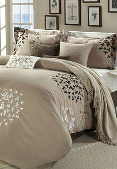 Brown Chiela Comforter Set