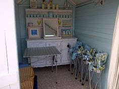 Nice interior beach hut for Beach hut interior ideas