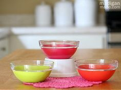 Easy and cheap craft: simple painted glass bowls from the dollar store